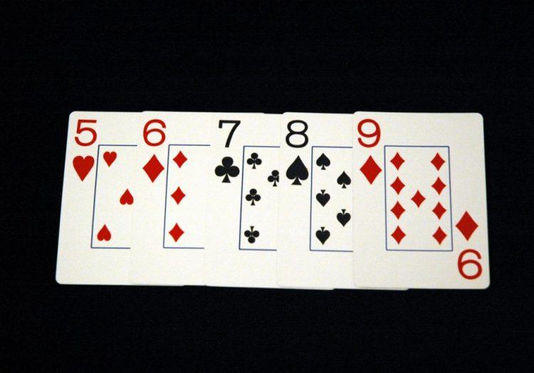 Стрит - четвертая комбинация в покере