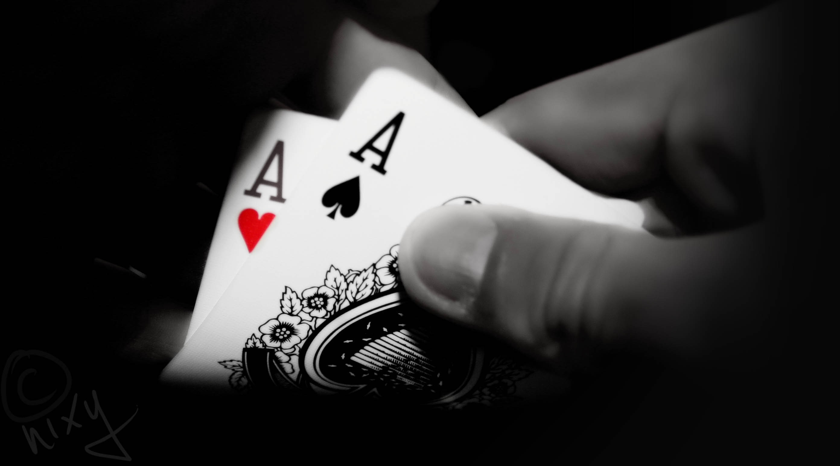 the silent techniques of playing poker hands