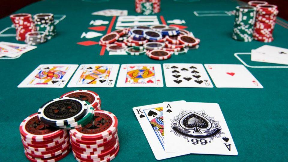 Покер онлайн играть россия новые игровые автоматы скачать бесплатно