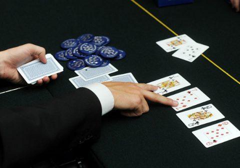 Онлайн покер россии запрещены истории выигрышей в онлайн казино